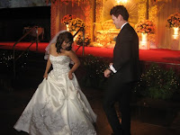 Farah and Matthew having their first dance