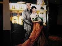 Portrait of newly weds Wai Sen and Angeline