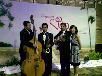 Jason Geh Live Trio Band with band manager Gina