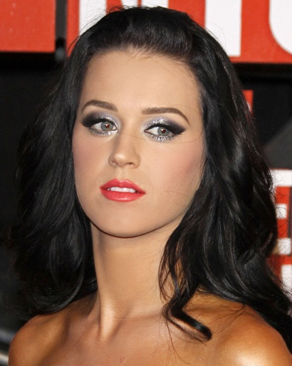 glittery eye makeup. Katie Perry in glitter eye