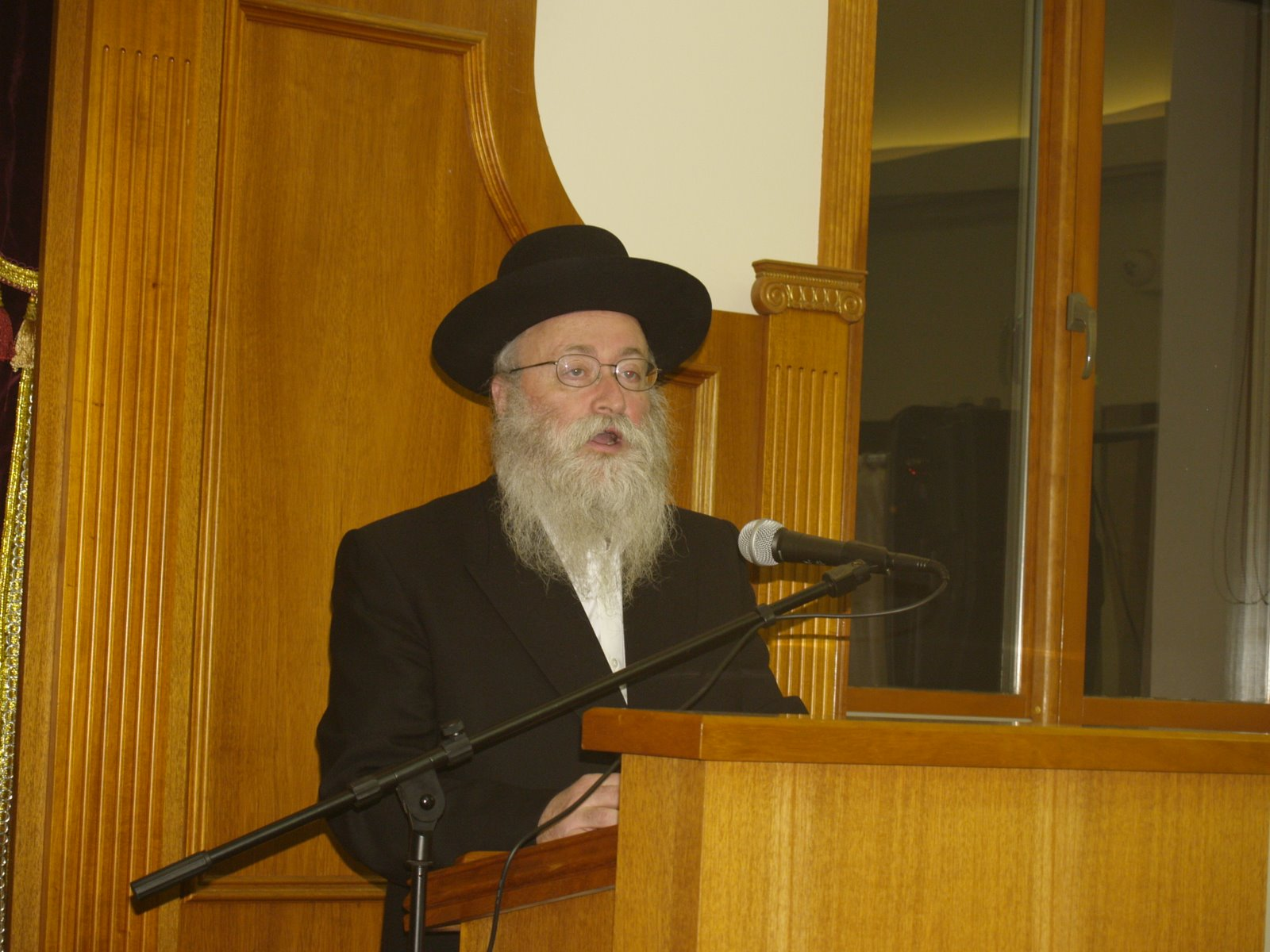 Rabbi Baruch Leshces