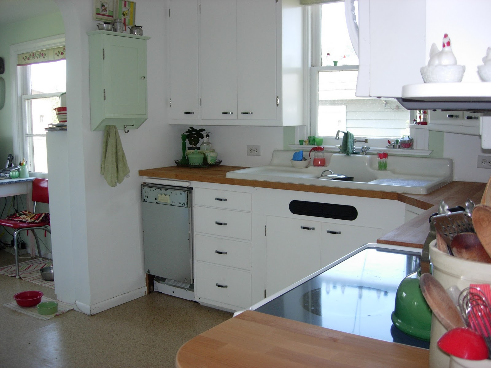 Red Gate Farm: A cottage kitchen: before and almost after