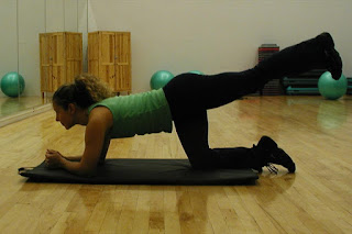 Leg-Extensions-exercise-for-butts-images-photo