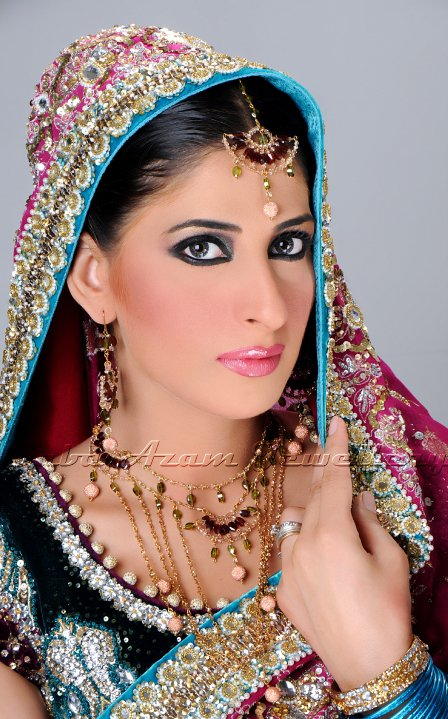 14111 383969174861 338320169861 3892542 1732062 n - Saba Azam Jewellery Shoot