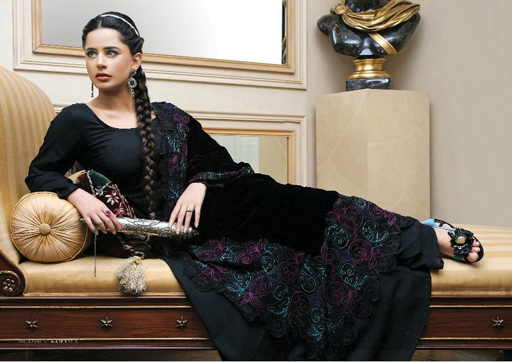 40739 440879497437 337267987437 5136056 505764 n - Nishat Fabrics Winter 2010 Collection