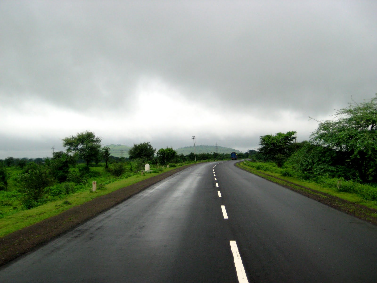 Adventure Unlimited !: Rain & Long Drive