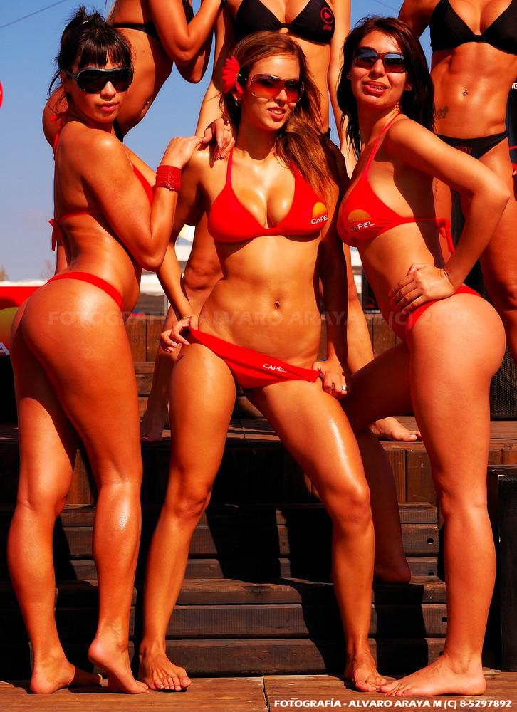 mujeres en tanga