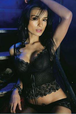 This Paola. rey. desnuda