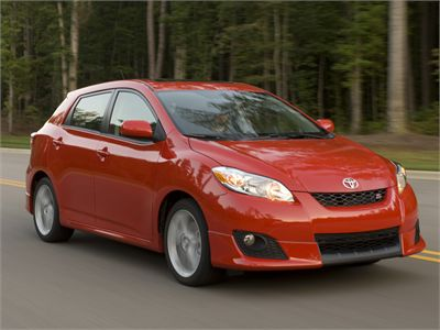Toyota Matrix Pontiac Vibe In This Review I Ll Be Taking On A Car That Carries Two Very Diffe Badges But Essence Are Exactly The Same