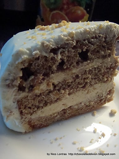 ... with Nico and Bianca: Peanut butter cake with sour cream frosting