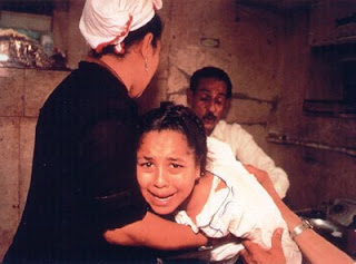 http://3.bp.blogspot.com/_F70UF_tw_ZY/SZtD-PrxFQI/AAAAAAAAAf0/LwPmIZ4uwI0/s320/femalegenital+mutilation+2.jpg