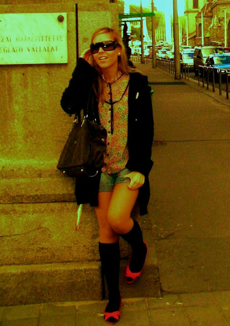 blog de moda, fashion blog, blogueras de moda, blog de belleza, calcetines altos, blusa flores