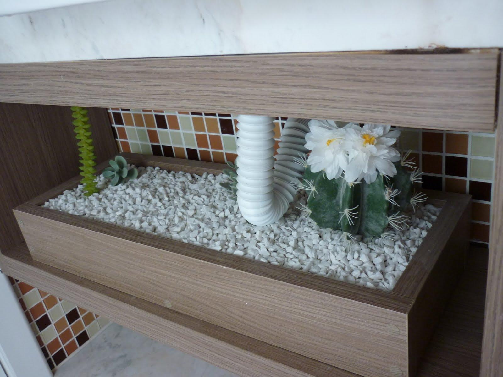 lavabo minusculo:Caixa com pedriscos e plantas ou sómente caixa para #495C33 1600x1200 Armario De Banheiro Em Espanhol