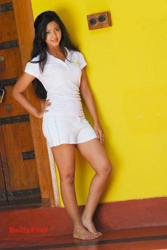 Aindrita+hot+navel