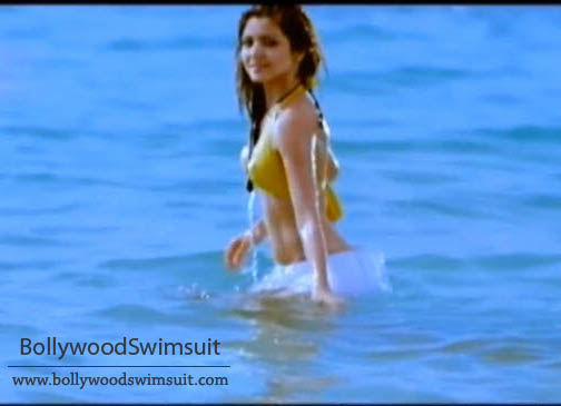 [Anushka_sharma_in_bikini.jpg]