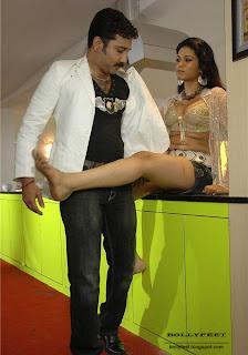 Shraddha Das hot legs and feet