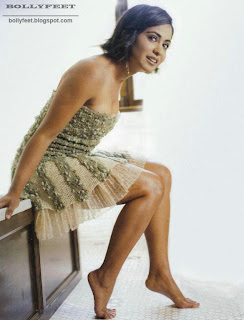 Parminder nagra lookingcute barefoot