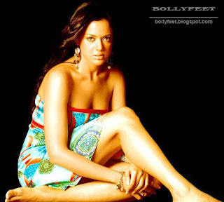 Sexy and Hot Sameera Reddy Barefoot