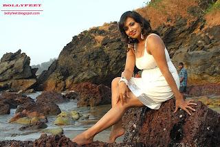 Telugu actress mayuri