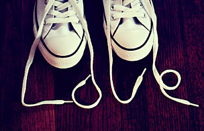 Gambar Lucu Tali Sepatu Love