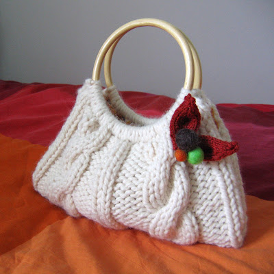 Find this Pin and more on Free Knitting Patterns (Purses, Bags and Totes) by Giselle Noir. An selection of free knitting patterns for knit bags, purses and totes. Lion Brand Yarn is America's oldest craft yarn company with active yarn families.