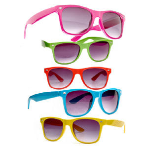 http://3.bp.blogspot.com/_FDAEkpRFHwY/Sm-Sz2EaJpI/AAAAAAAAAFU/s7naZr1Pt_Q/s320/sliimy_sunglasses2.jpg