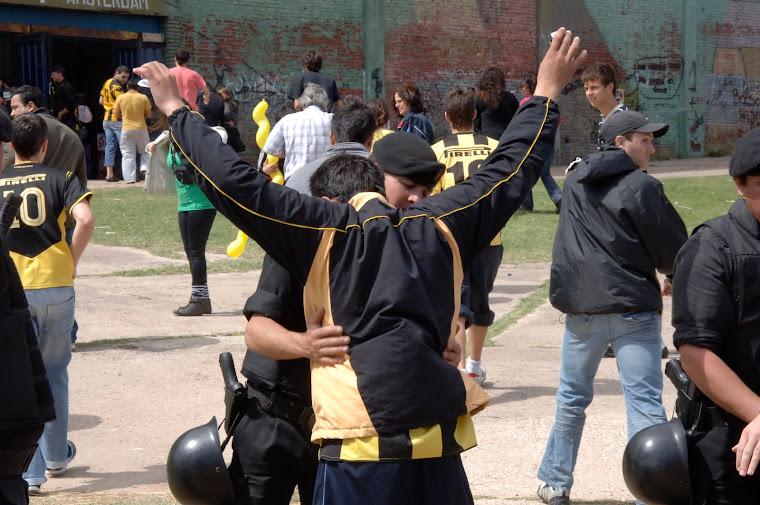 SEGURIDAD EN EL CLASICO DEL FUTBOL URUGUAYO NACIONAL PEÑAROL