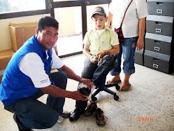 Entrega de zapatos donados por la Gestora Social Dra. Sandra Patricia Diaz Amorocho