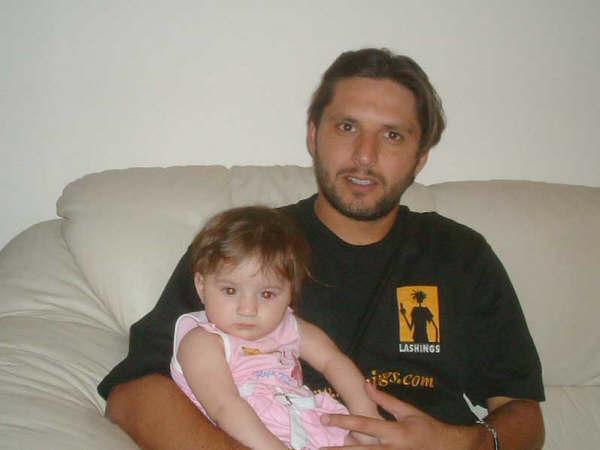 afridi with shahid khan