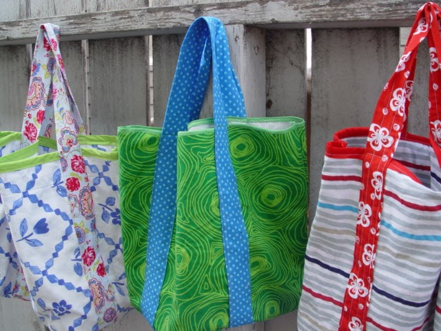 The Easy Five-Step Market Tote (and it's upcycled!)