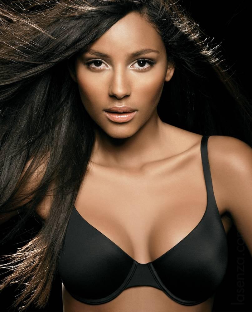 Emanuela De Paula young Brazilian model