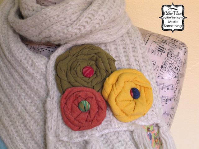 http://3.bp.blogspot.com/_FJSI89AtK0M/TOgxcmx9iqI/AAAAAAAAIh0/UKeqA8-yuFc/s1600/tee+shirt+rose+scarf+folded+roses.jpg