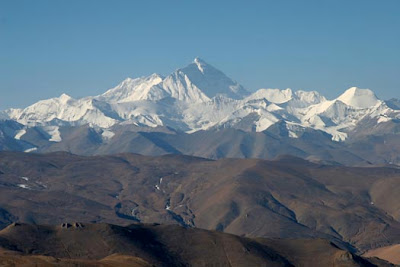 mount everest north face mountain himalaya