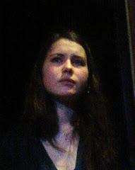 ...Aliouchka Binder, interprète du rôle de Macha