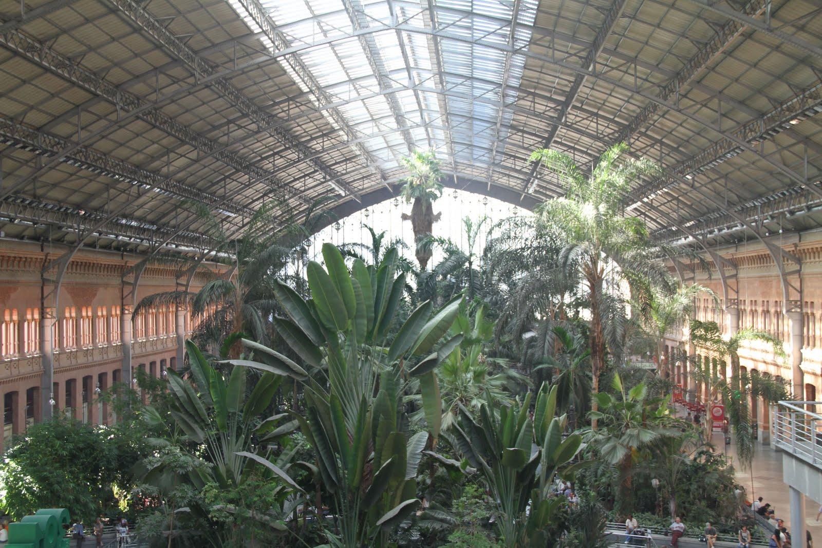 Irnbas76 6 ao t visite de la capitale madrid for Jardines de la puerta de atocha