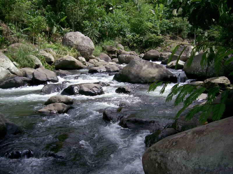Air sungai hulu aliran sungai dari mata air sai laut secara garis