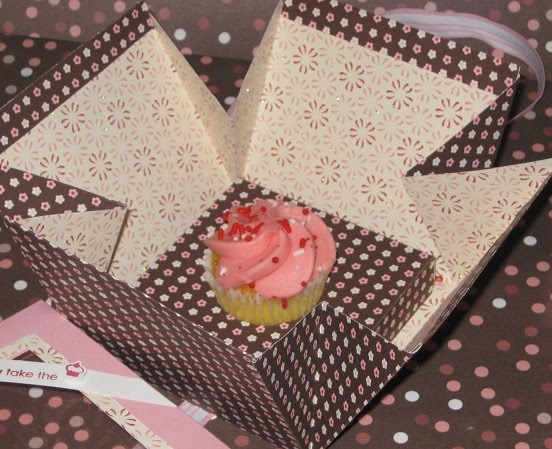 valentines day cupcake box - Cupcake Valentine Box
