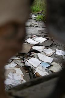 Papers democràcticament escampats