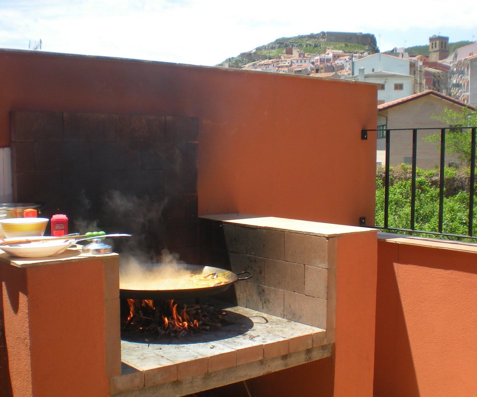 Ana villanueva mayo 2010 - Barbacoa paellero ...