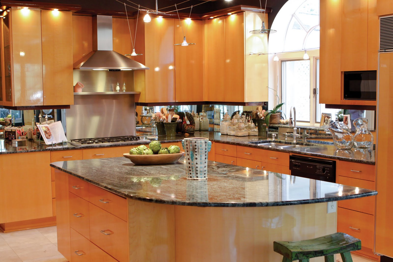 In Polite Company: Le Tour of Kitchens: The Simmons Home