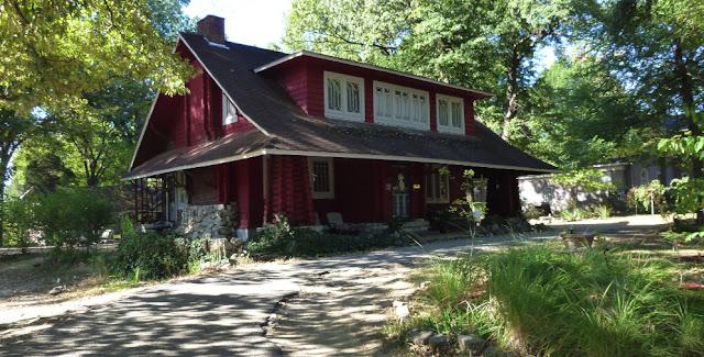 True grit color and eclecticism for Craftsman log homes