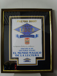 PREMIO GRAN LIDER 2007, otorgado por el MUNICIPIO DE LOS OLIVOS  Y  PERUANA DE OPININ, 5 de dic.