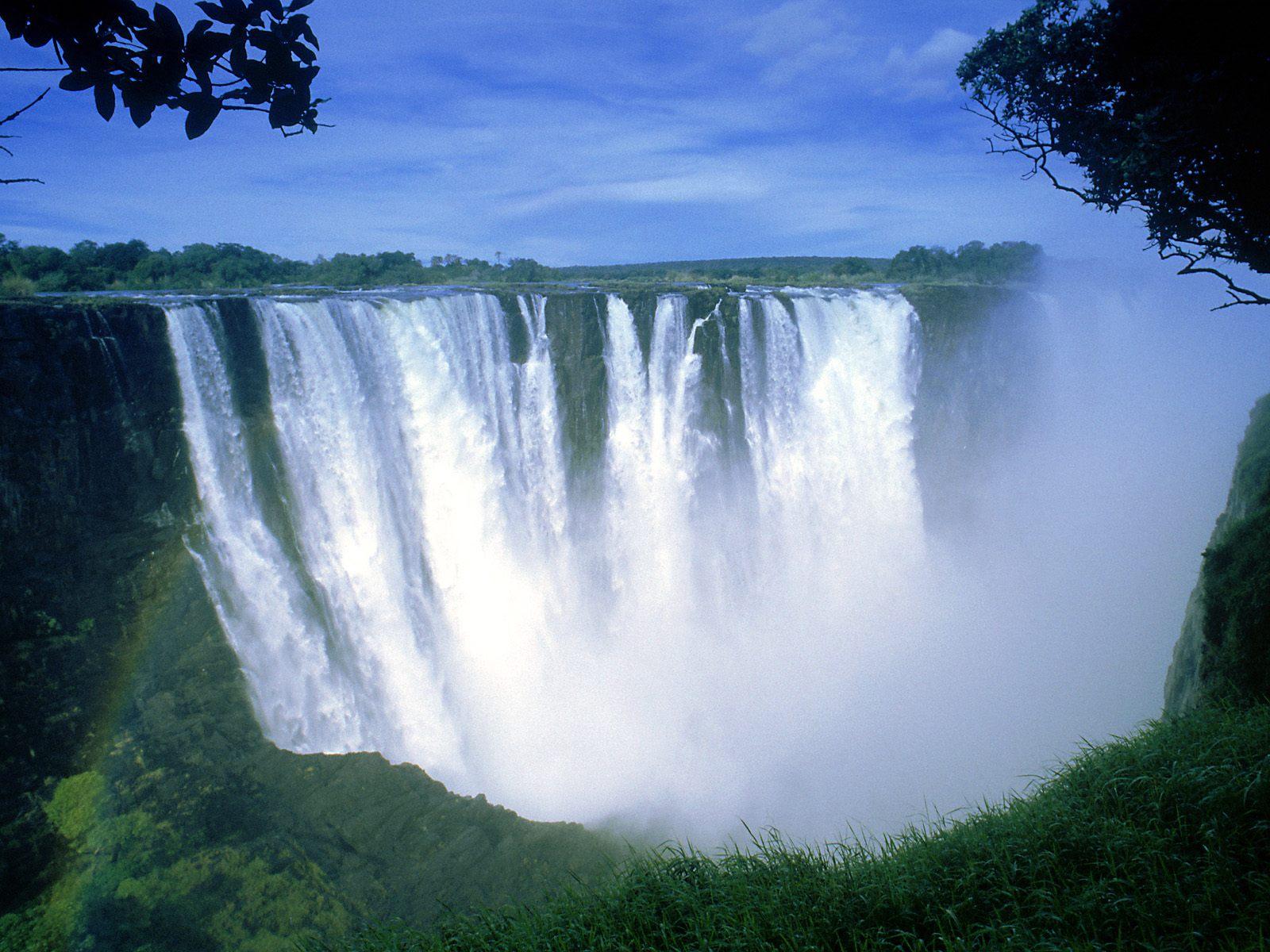 http://3.bp.blogspot.com/_FQx4JXMzHVQ/TMcmGcApdeI/AAAAAAAAB5M/ujqBPiC2uYg/s1600/Victoria_Falls%252C_Zimbabwe%252C_Africa.jpg