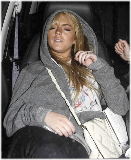 lindsay lohan passed out