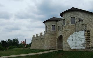 Rekonstruiertes Nordtor Kastell Weißenburg