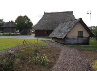 Rekonstruktion eines keltischen Gehöfts beim Keltenmuseum Hochdorf