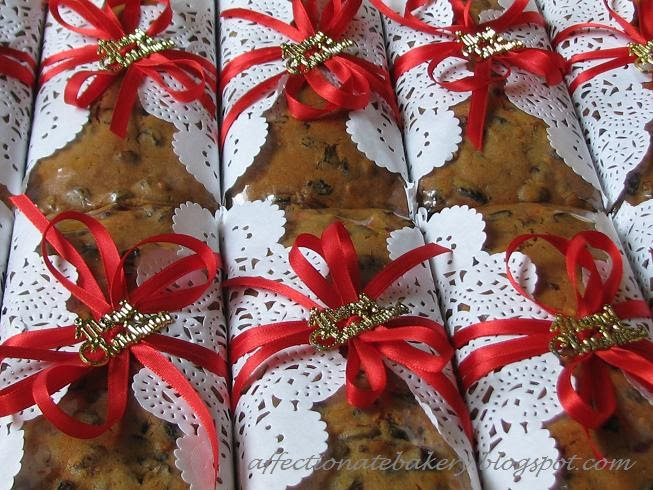 Christmas Cake Hamper Ideas : Affectionate: Traditional Fruits Cake & Xmas Cookies Hamper