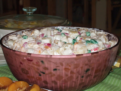 Filipino Style Fruit Salad http://manangkusinera.blogspot.com/2009/06/pinoy-style-fruit-salad.html