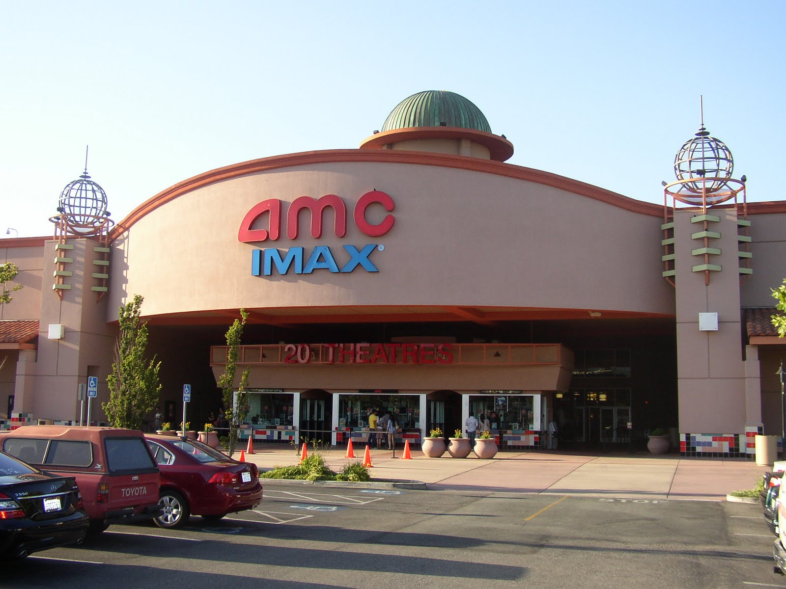 · Digital Media MoviePass drops 10 top AMC theaters. Will you still want it? If you pay $10 a month for unlimited movies, you can't go here anymore.