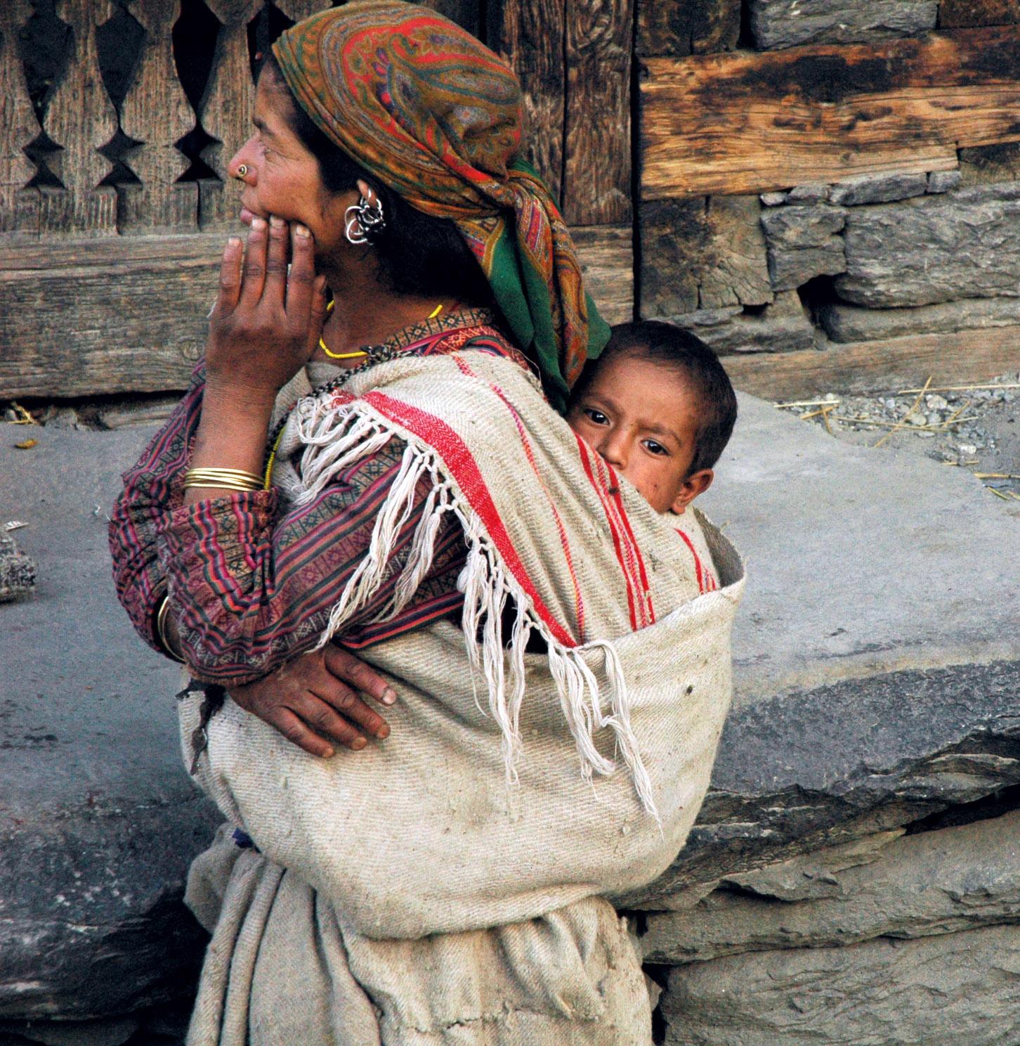 http://3.bp.blogspot.com/_FTAuB94p91o/TM7sww0NKqI/AAAAAAAAA0E/s3Acx4hdCFc/s1600/Southeast_asian_mother_and_child.jpg